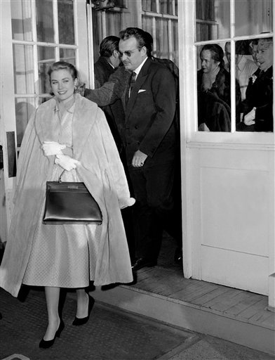 Grace Kelly and her Hermes bag during her pregnant days