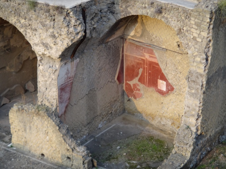 Excavations in Herculaneum began in the 18th century and uncovered Roman houses built around a rectangular plan.  Perhaps the best known is the Villa dei Papiri.