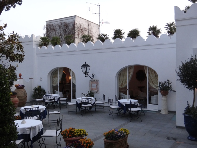 The courtyard at La Scalinatella Hotel