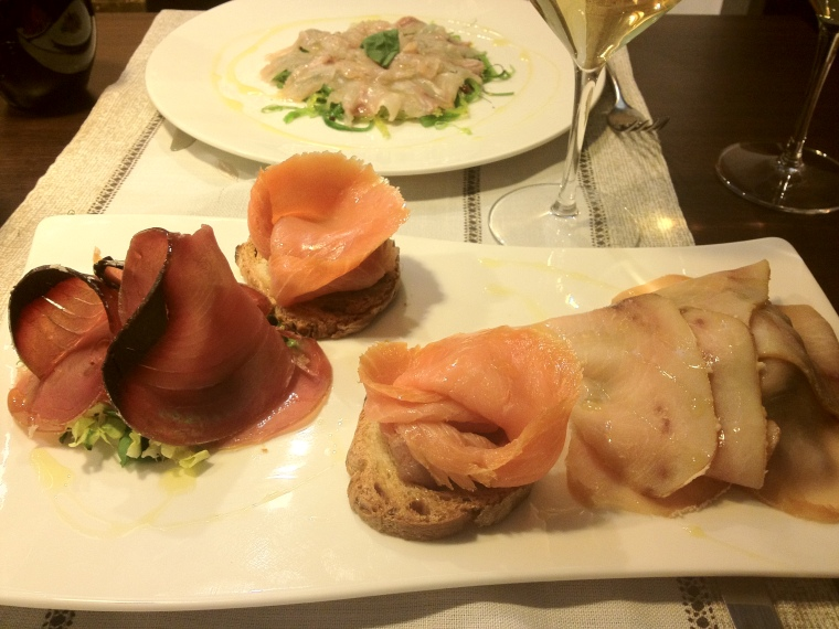 At Cubo Signum a selection of crudos from salmon to grouper and tuna